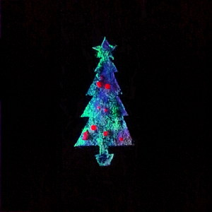 An Ink-jet printed superhydrophobic nanoparticle Christmas tree decorated with quantum dot based sensors