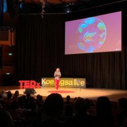 Ljiljana Fruk giving TEDx talk
